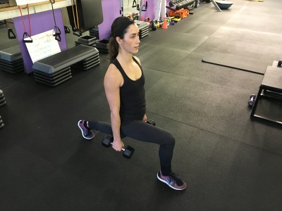 right leg lunge